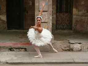 La Havane. Une danseuse dans la rue, pour Google et Wordpress. Daniel Fohr.