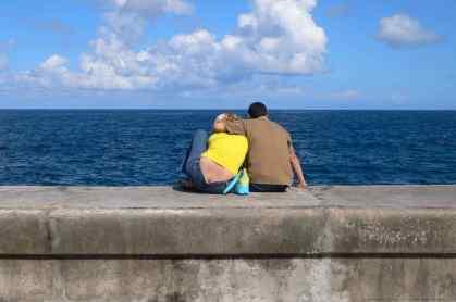 La Havane, pas people, sur le malecon -google-wordpress-daniel-fohr