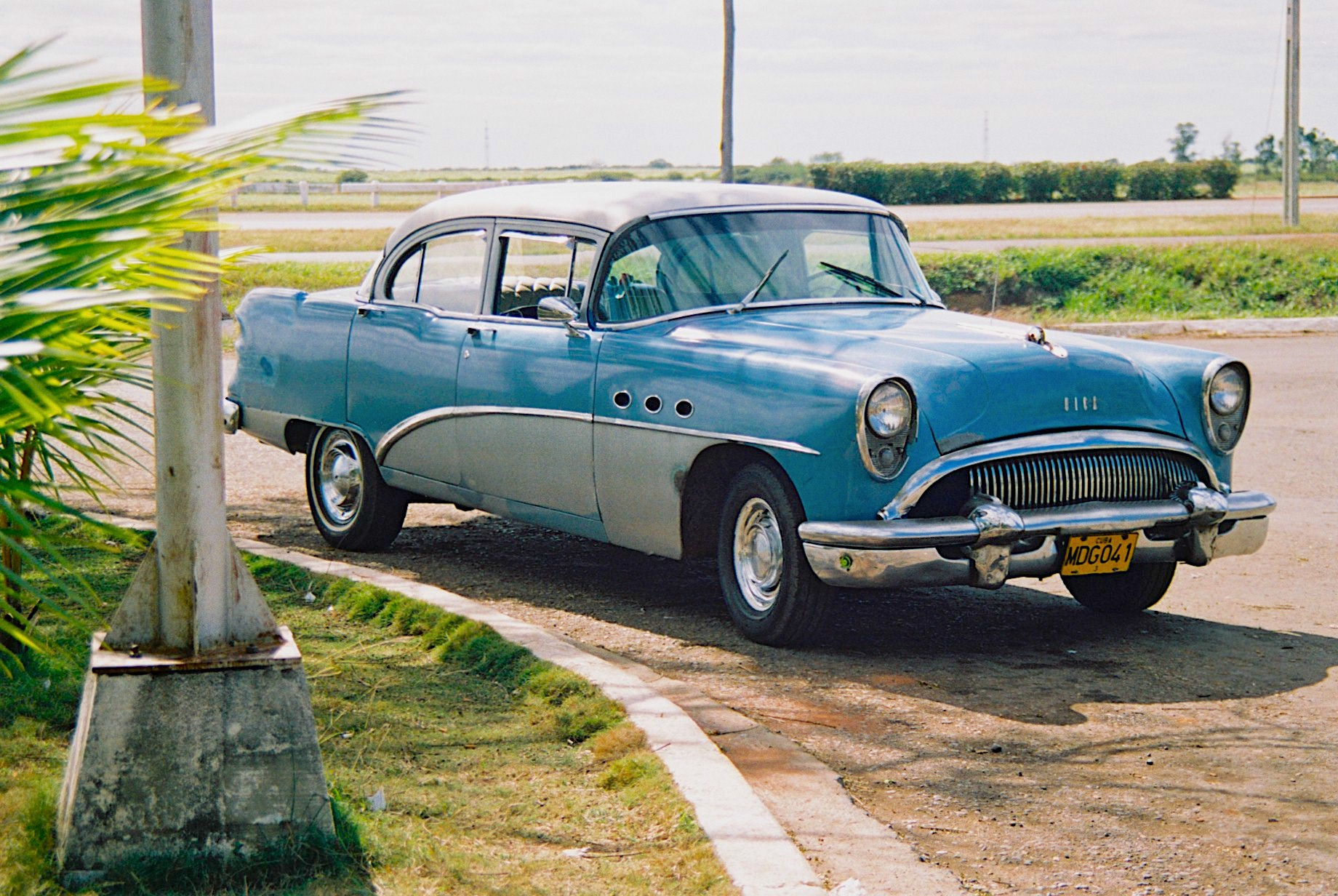 voiture bleue-cuba-wordpress-daniel fohr